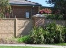 Kwikfynd Barrier wall fencing ashbyheights